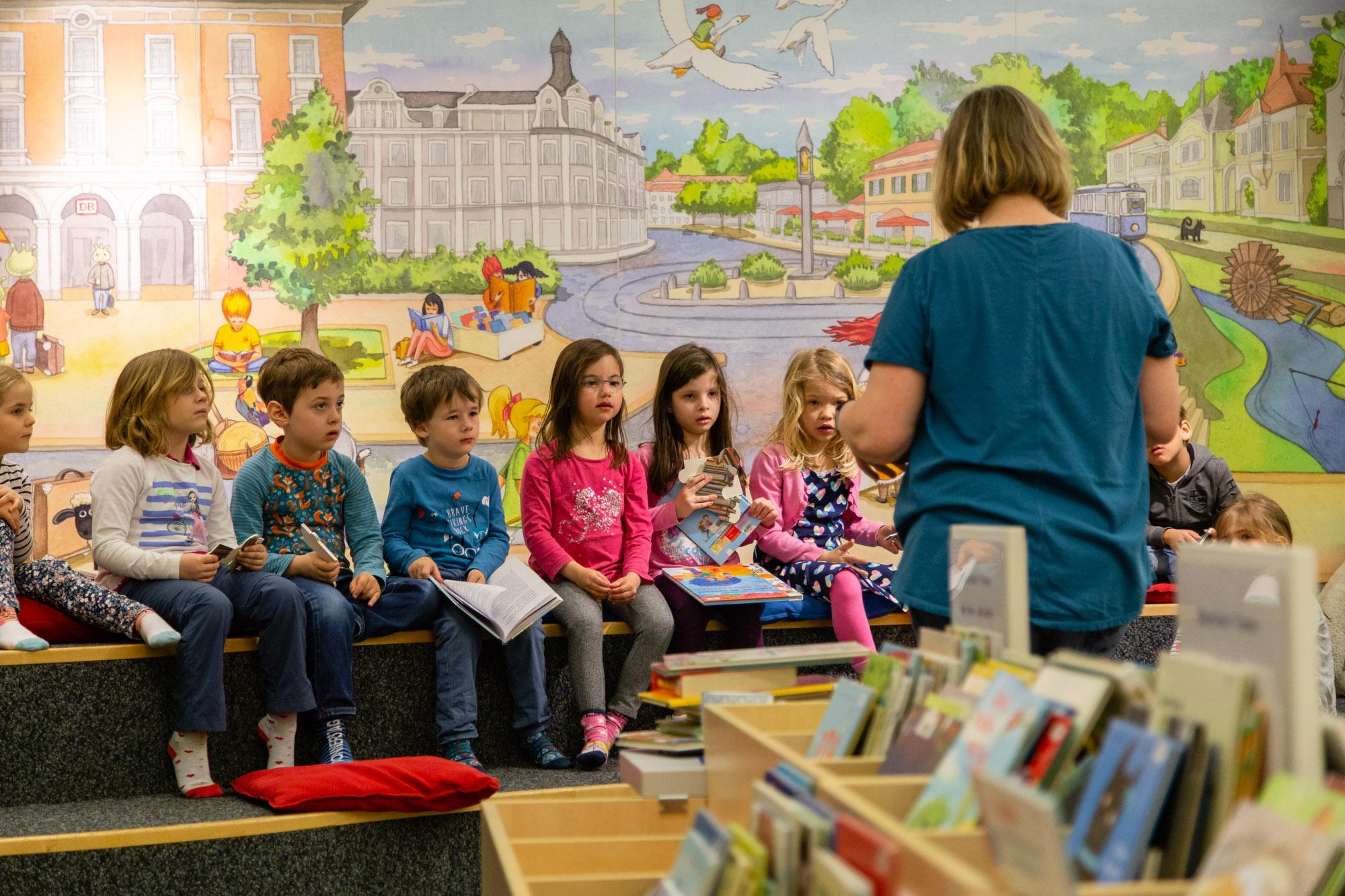 Büchereibesuch in der Stadtbibliothek in Pasing